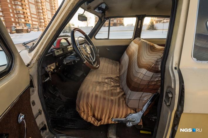 Исправен и механизм раскладывания переднего дивана— можно получить огромное спальное место
