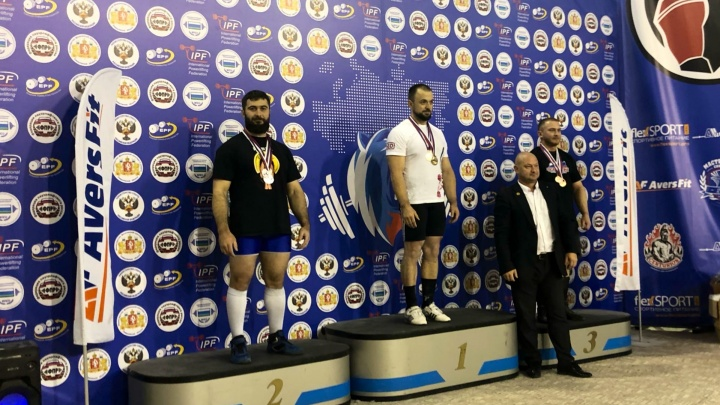 Спортсмены из Архангельска взяли серебро и бронзу чемпионата России по пауэрлифтингу