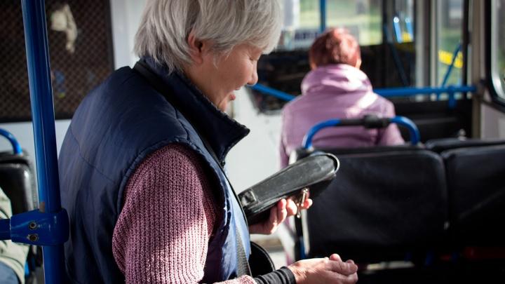 В Омске за оплатой проезда следят всего четыре контролёра