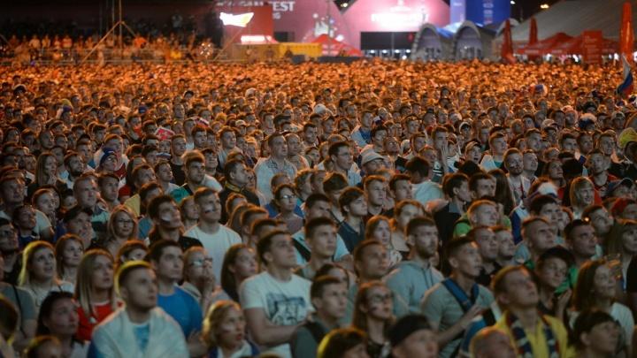 Китайские болельщики после ЧМ по футболу решили остаться на Урале, но спустя год их депортировали