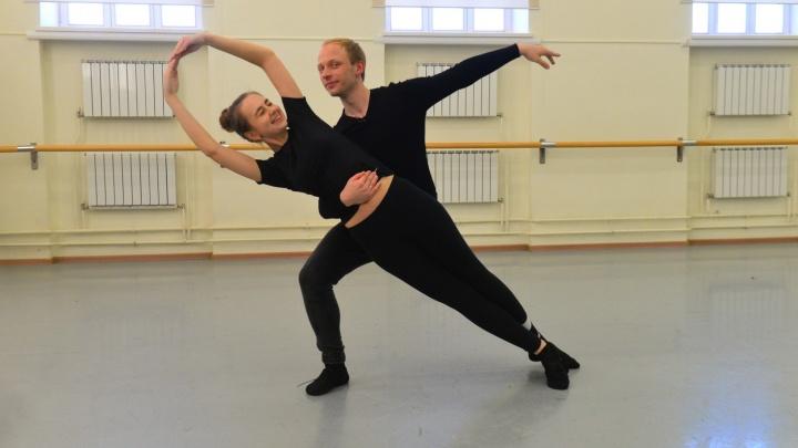 Оперному театру - 105 лет: отмечаем юбилей с солистом балета, крутя фуэте и приседая в плие