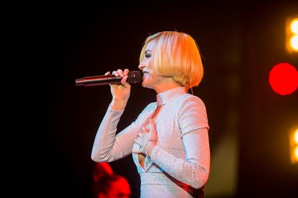 Полина Гагарина будет петь для новосибирцев 50 минут