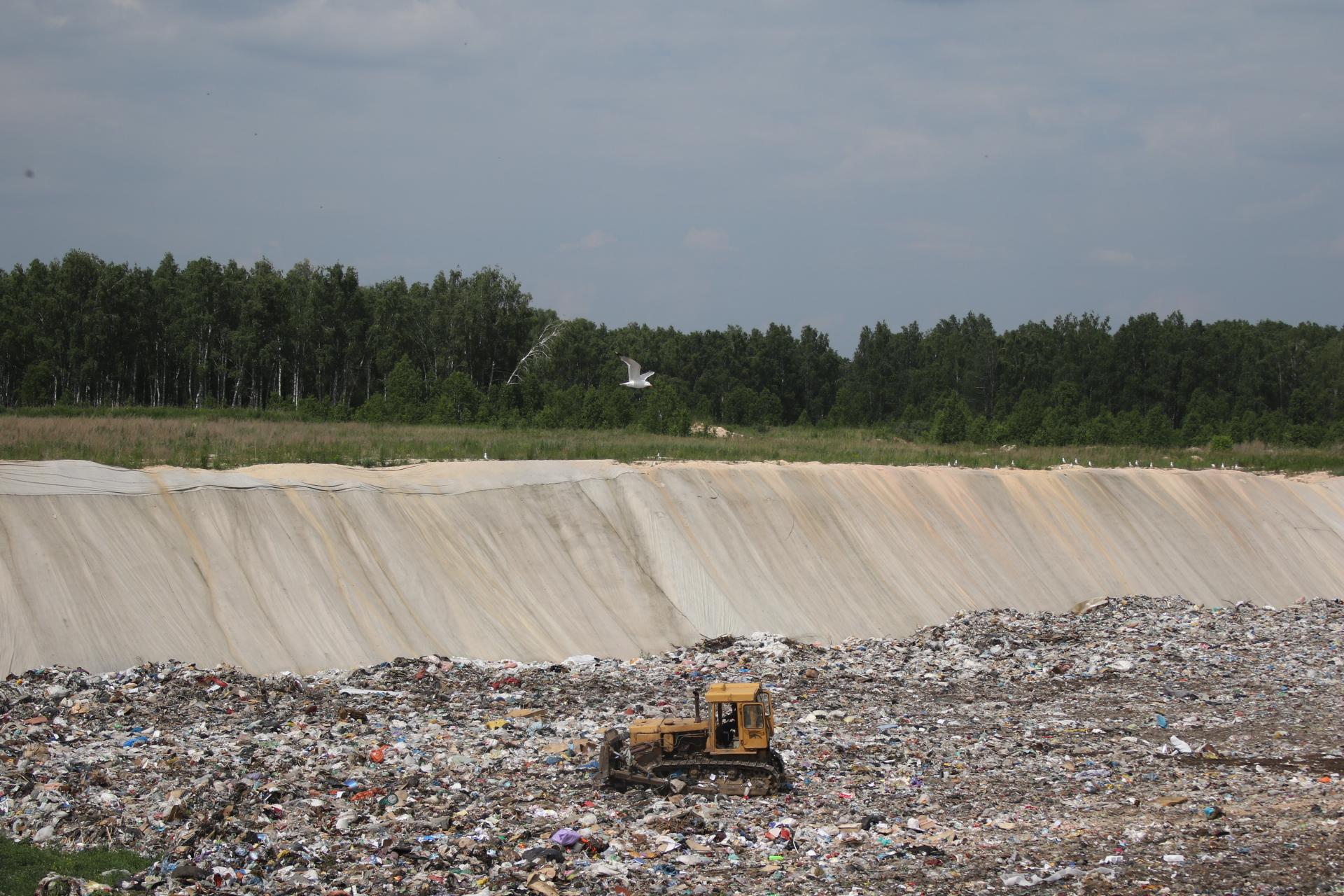 Полигон в Полетаево построен по всем требованиям, но экологи каждый день будут проверять, не загрязняет ли он подземные воды