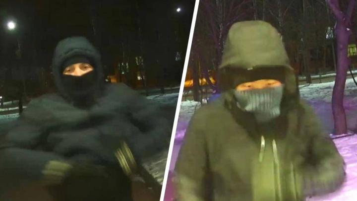 Зашли за полчаса до закрытия: в Берёзовском обчистили ювелирный магазин на 3 миллиона рублей