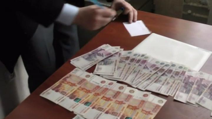 Банда экстрасенсов заработала 70 миллионов на заряженных лотерейных билетах и пищевых добавках