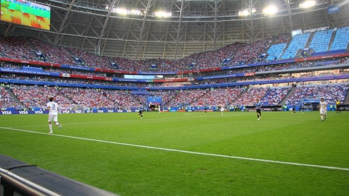 На матче Россия — Уругвай самарцы были в 11 раз активнее зрителей в Санкт-Петербурге