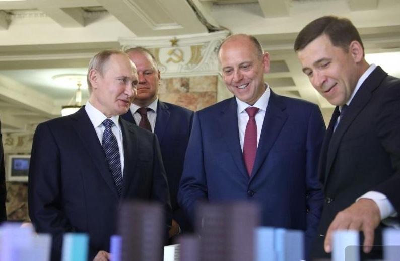 Дмитрий Пумпянский умело  воспользовался визитом Владимира Путина в Екатеринбург