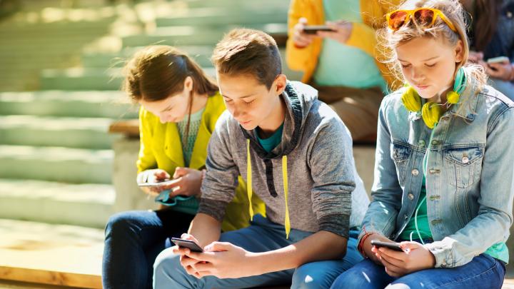 Гаджет — не враг, а друг ребенка: девять приложений для смартфона, которые помогут вырастить гения