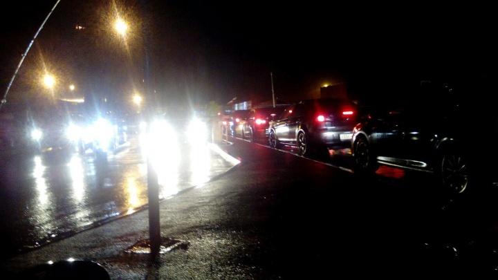 На подъездах к аэропорту Емельяново собралась 3-километровая пробка