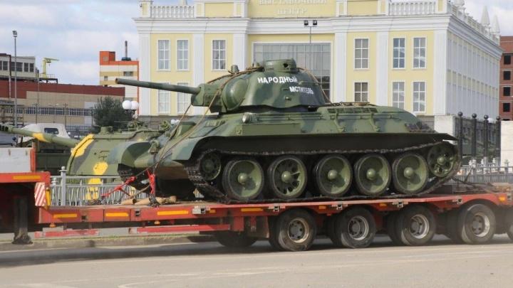 В музей УГМК привезли уралмашевский Т-34, собранный из найденных под Псковом обломков