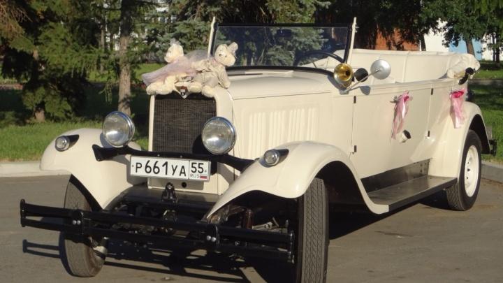 Омич решил обменять 89-летний раритетный Dodge на современный внедорожник