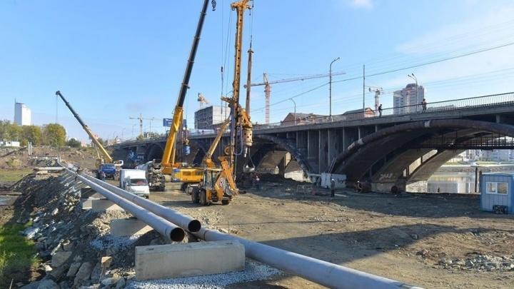 Движение по Макаровскому мосту закрыли на все выходные