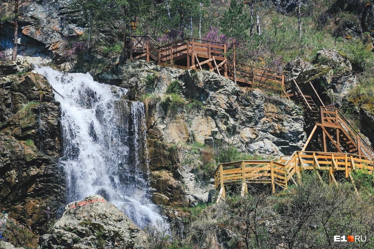 Лестница в туристический сезон платная