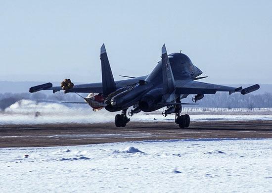 Максимальная скорость Су-34 — до 1900 км/ч