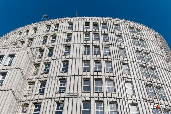 С июля закон обязывает вести долевое строительство с использованием эскроу-счетов
