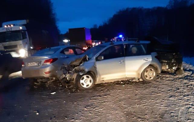 Сильнее всех пострадала водитель Hyundai: ГИБДД — о состоянии участников аварии на Московском тракте