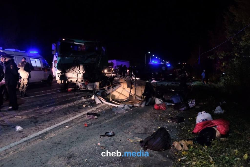 12 человек погибли в аварии с автобусом в соседней Чувашии. Сведений о нижегородцах нет