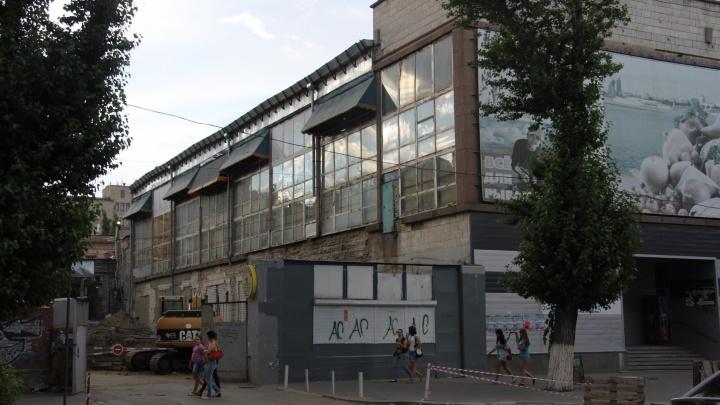 Суд запретил пристраивать магазин к Центральному рынку Волгограда