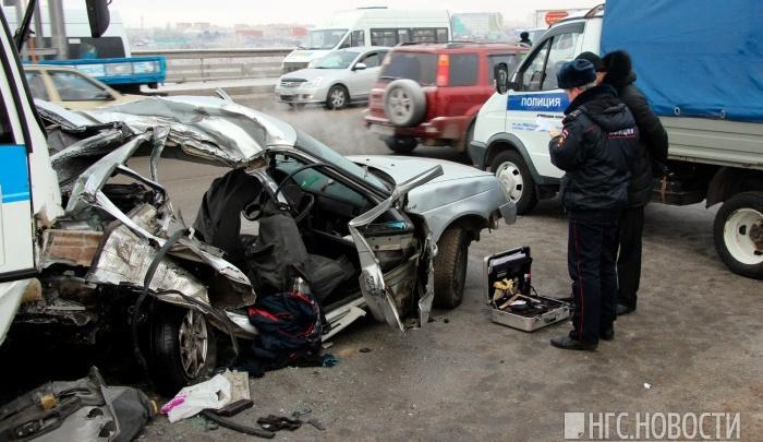 Виновнику страшной аварии на мосту у «Арены-Омск» грозит семь лет тюрьмы