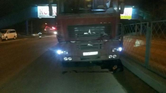 Водитель не смог остановить грузовик