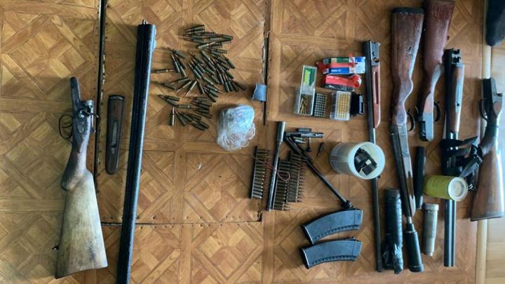 Сотрудники УФСБ региона изъяли у зауральца оружие и боеприпасы