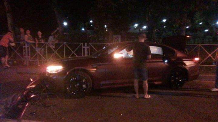 Камера наблюдения сняла, как Фёдор Смолов разбил BMW за 9 миллионов