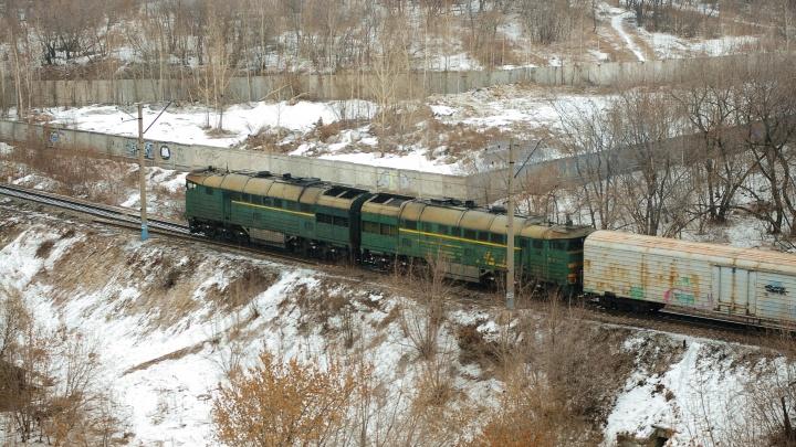 В Красноуфимске две школьницы попали под поезд, одна из них мертва