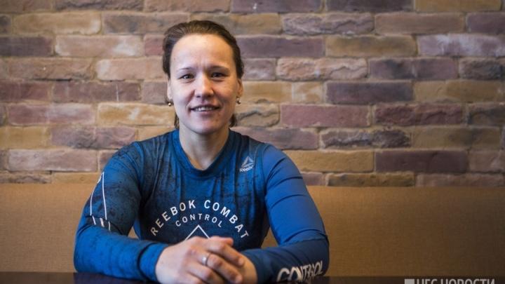 Новосибирская биатлонистка осталась без медали в гонке на 10 километров в Пхёнчхане