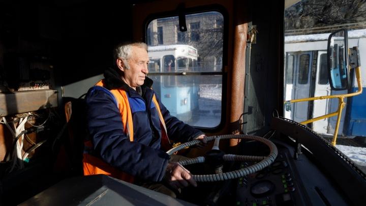 Таких в России единицы: в Волгограде сохранили уникальный троллейвоз родом из 70-х