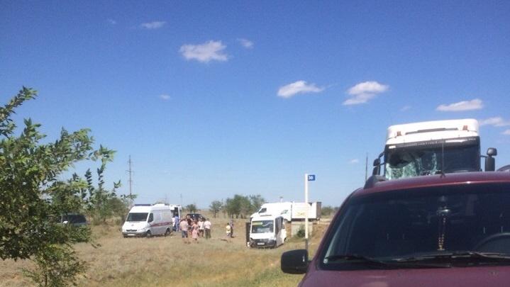 «Пострадали беременная и двое детей»: под Волгоградом бензовоз врезался в маршрутку с людьми