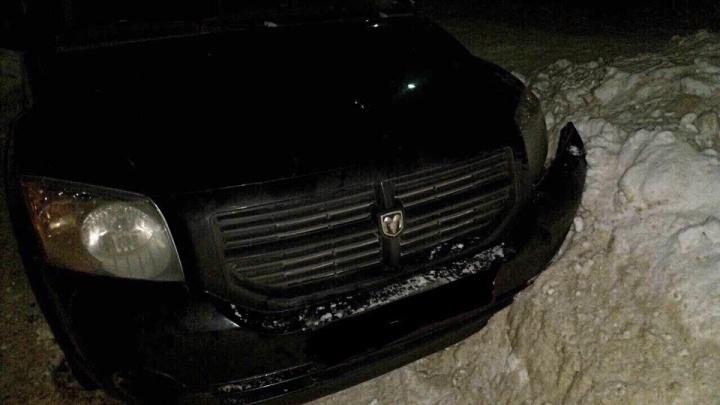 Устроил дрифт во дворе: пьяный сотрудник автосервиса угнал иномарку своего клиента