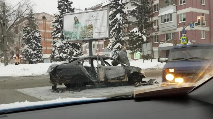 Появились подробности ДТП со сгоревшей машиной на Авроры — Гагарина