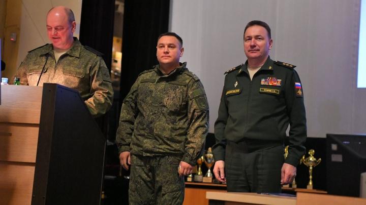Путин присвоил генеральское звание командиру соединения ПВО в Самаре
