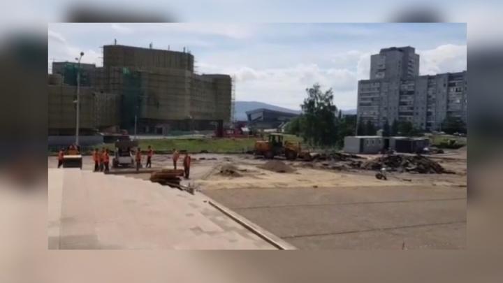 «Парковку ограничат»: начался масштабный ремонт на площади Мира