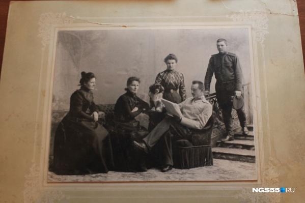 Найти фотографию своих родных в архиве удастся не каждому