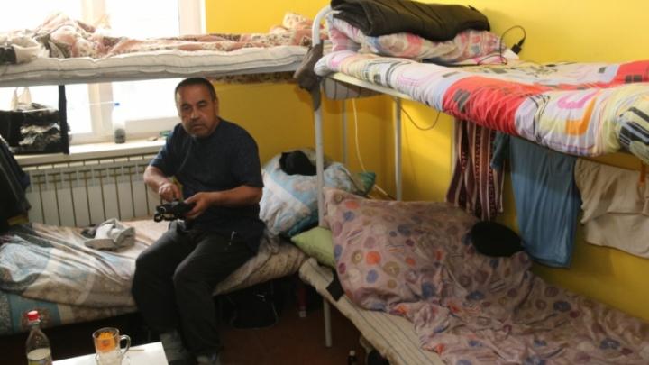 Новосибирец прописал в трёхэтажном доме больше 1000 мигрантов