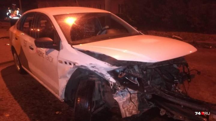 В Челябинске водитель «Яндекс.Такси» спровоцировал ДТП с вылетом в кювет