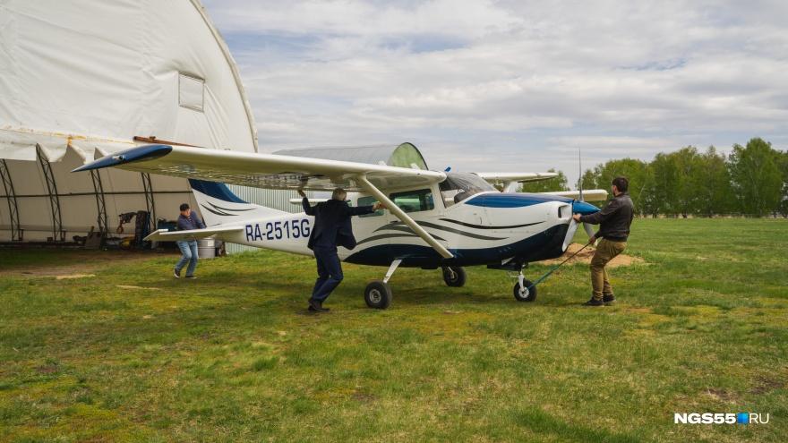 «Всё нормально — падаем»: владелец аэродрома Летова о запретах и «поддержке» правительства