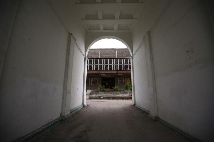 Одна из причин, по которой сложно реконструировать старый ДК, — близость жилых домов