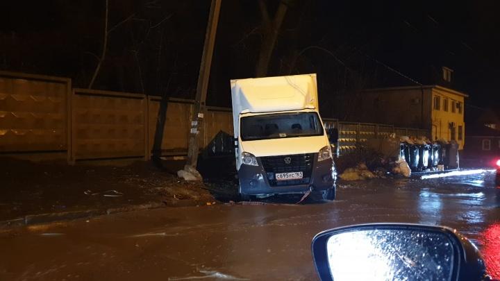 Ростовчане пытались выкинуть строительный мусор на чужую площадку и застряли