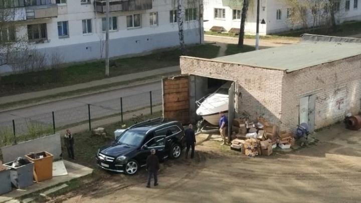 В Чайковском директора школы уволили после скандала со сдачей гаража в аренду