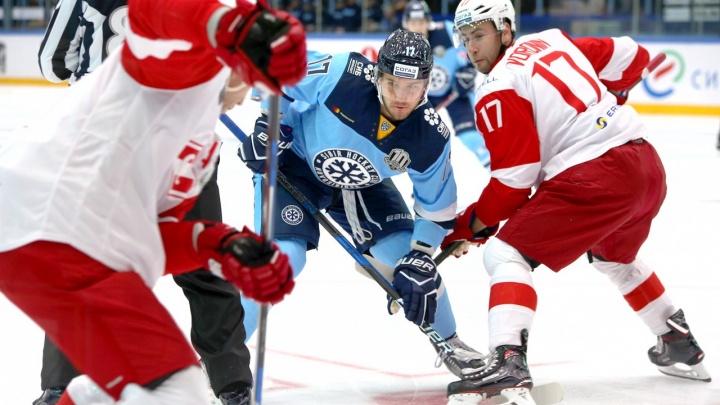 Хоккей: «Сибирь» выиграла у москвичей в первом матче сезона