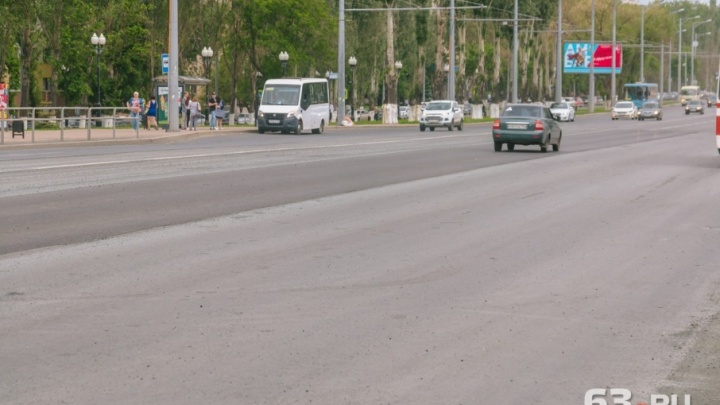 Несколько участков Московского шоссе заново отремонтировали из-за колейности