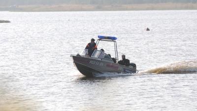 В окрестностях Екатеринбурга спасатели второй день ищут пропавшего на водоеме подростка