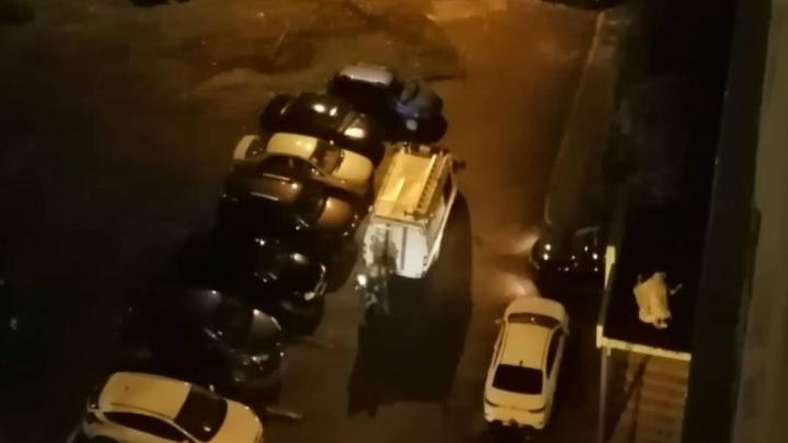 Под окнами уфимской многоэтажки нашли погибшим обнаженного мужчину