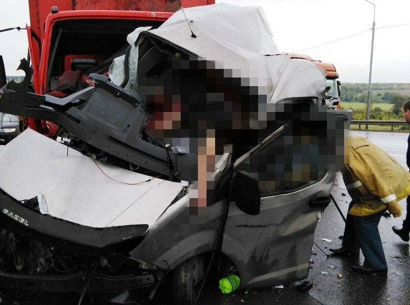 Водитель и пассажиры «Газели» скончались на месте