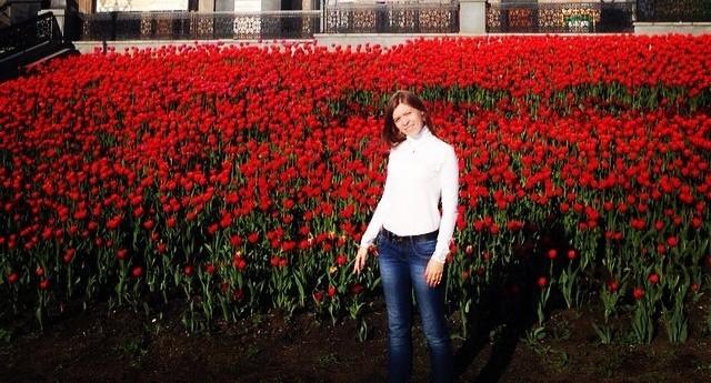 Алое поле тюльпанов у Храма-на-Крови на две недели стало главным фоном для селфи в Екатеринбурге