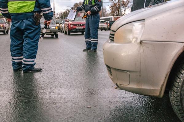 Участникам аварии потребовалась помощь спасателей