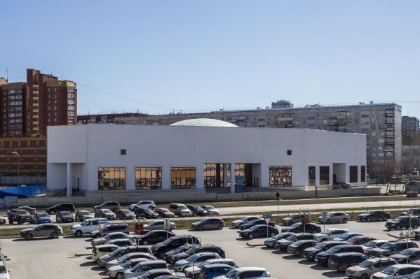 До конца года компания «Солнечный город» хотела построить на этом участке рынок европейского формата