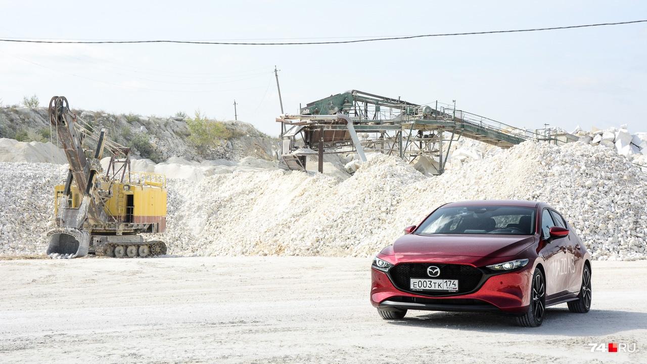 В основе автомобиля новая платформа, которую получит кроссовер CX-30